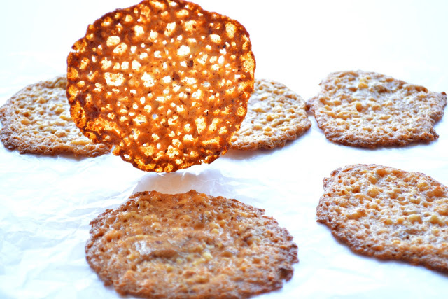5 Ingredients or less: Almond Lace Cookies | Florentines