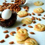 Amaretti – Italian Almond Macaroon