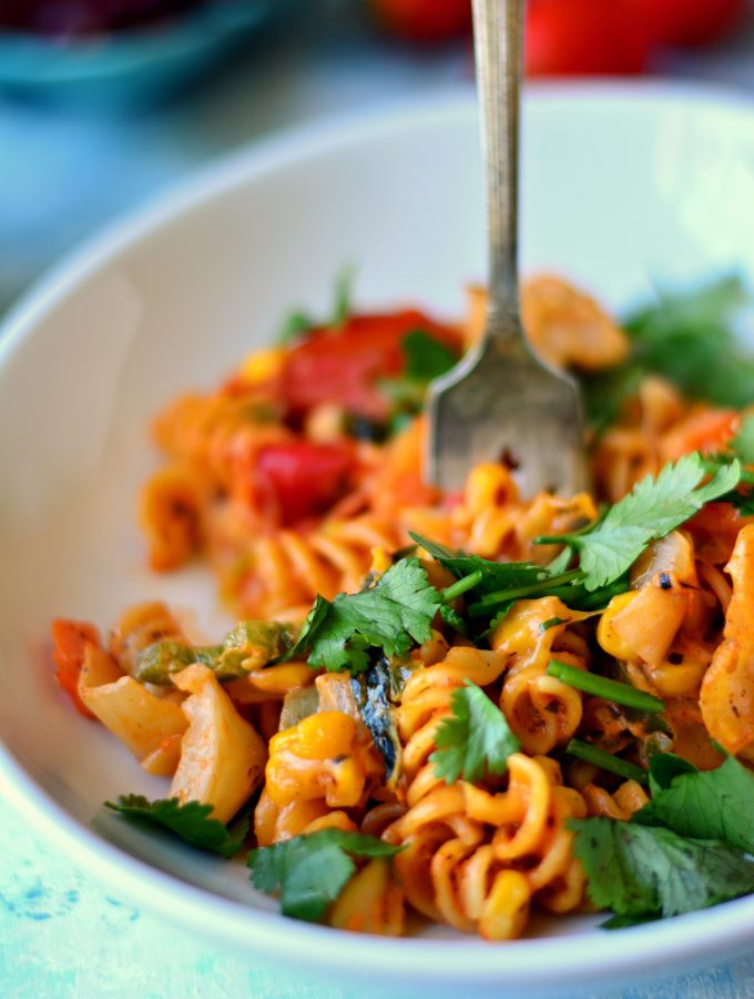 Cream Cheese Veggie Pasta - a quick and easy weeknight meal that comes together so quick without compromise on taste!