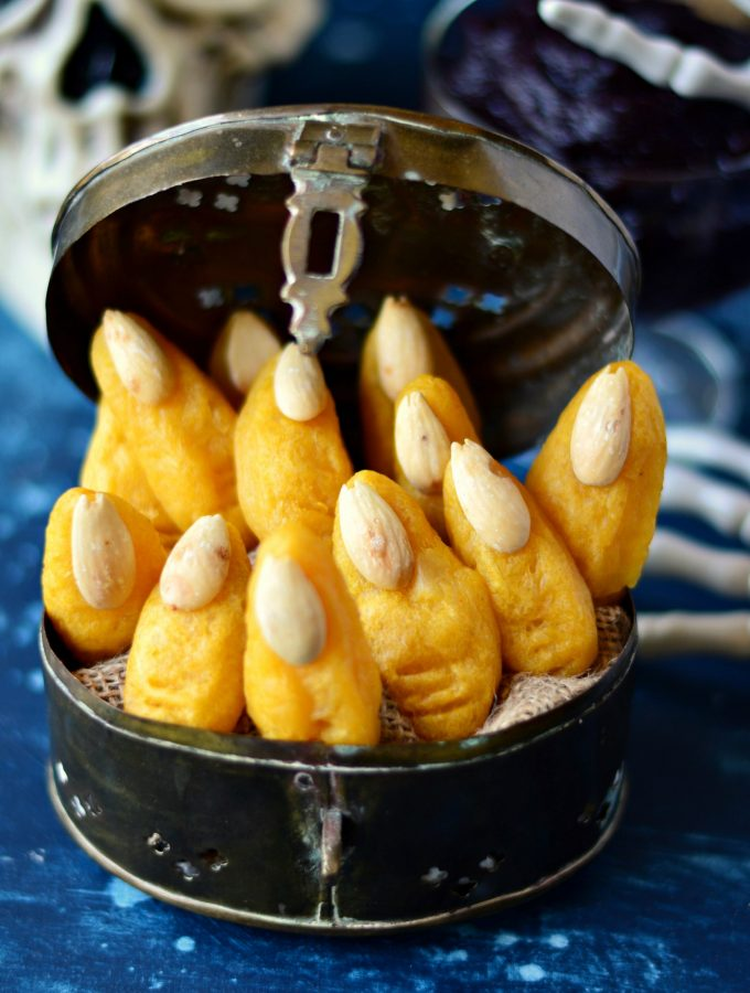 BAKED Mashed Potato Witch Fingers
