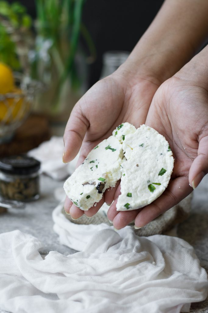 This homemade Truffle flavoured Paneer (Cottage Cheese) is incredibly simple to make, and has a wonderfully intoxicating aroma & taste.