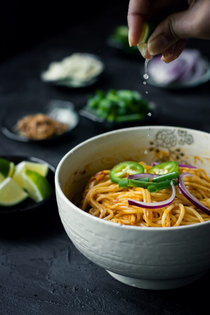 This is a Vegan version of the Mandalay Curry noodles (Mangalay Mote Thi), made with a rich tomato and chickpea curry base. Lunch | Dinner | Asian Cuisine | Burmese Food | Food Photography