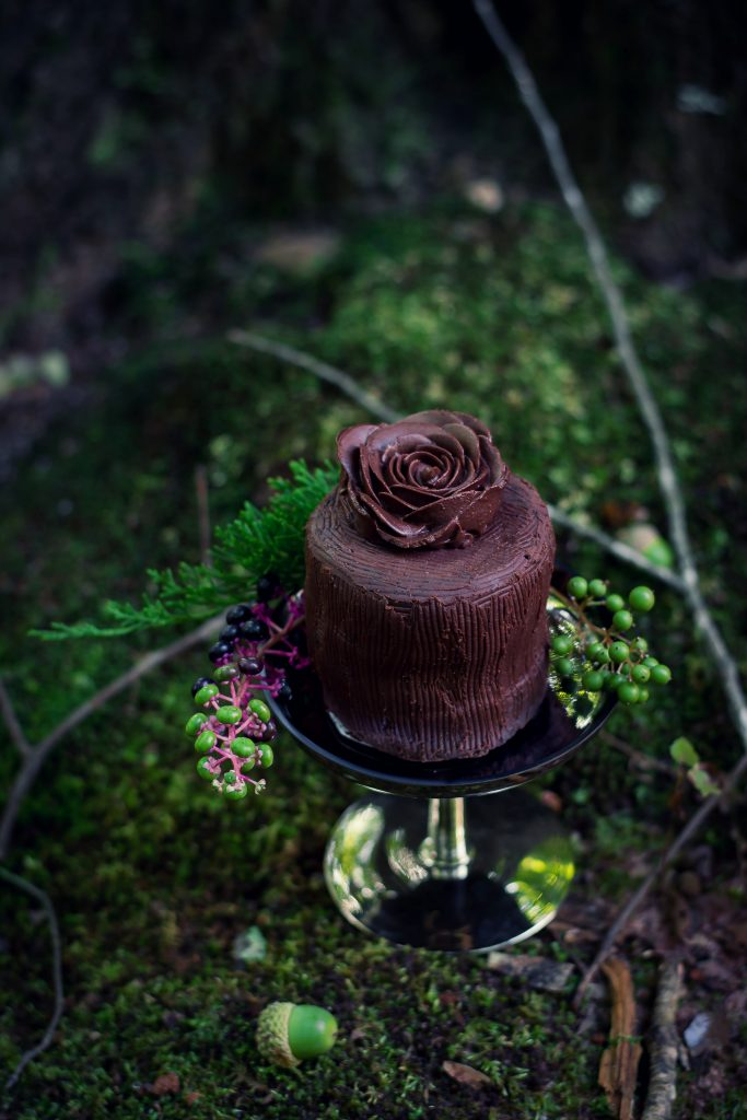 Bake yourself this Mini Vegan Chocolate Cake whenever you have cause for celebration. Or not, doesn't matter. It's delicious either way!