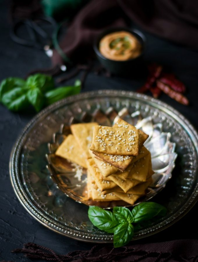 Spicy Vegan Cheese Crackers + dip