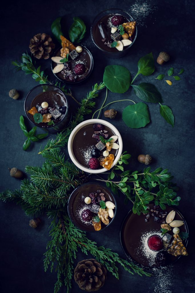 This VEGAN Chocolate Biscuit Pudding is so simple, yet incredibly rich, delicious and comes together in 10 minutes! Food Photography | Styling | Dessert | Agar agar