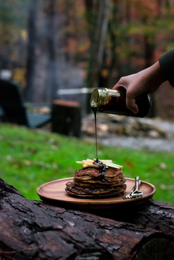 I've been dreaming of this Fall Cookout weekend for months now, and what finally transpired was everything and more. Banana Pancakes w/ Cardamom Jaggery Syrup. Vegan + Gluten-Free. Made with Oats flour and unrefined sugar, its the perfect start to a perfect day.