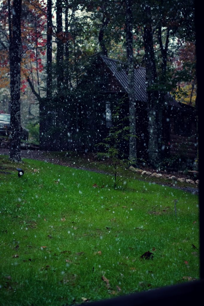 I've been dreaming of this Fall Cookout weekend for months now, and what finally transpired was everything and more. Snow in Fall. Pretty unbelievable, right?!?!
