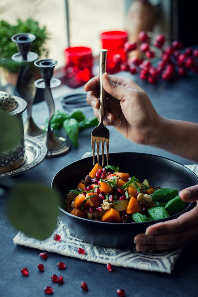 Make the best of the season with this Winter Fruit Salad, doused in a refreshing Peach cider and cinnamon dressing. VEGAN + Gluten Free. Pomegranate | Kiwi | Persimmon | Orange | Peach Cider | Cinnamon | Apple
