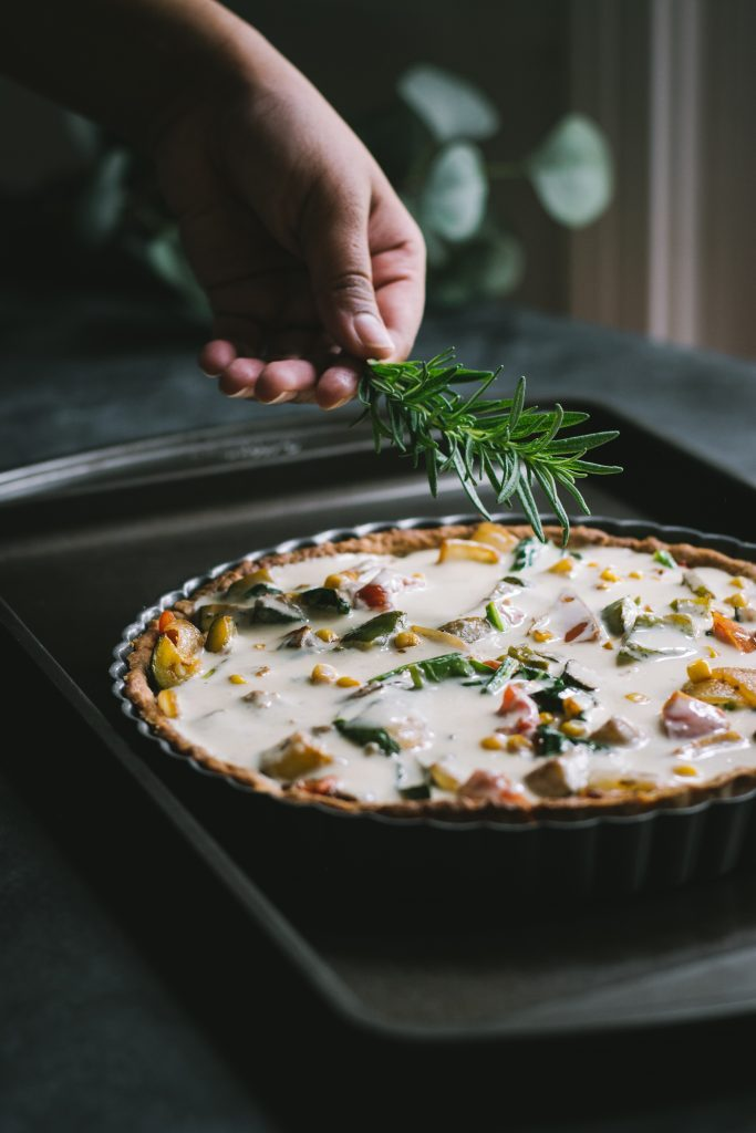 This no-tofu Vegan Quiche w/ Zucchini, Corn, Peppers is so amazing, no one will ever know that it's vegan!