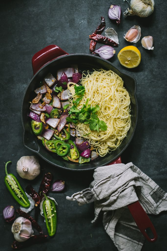 15 min Chilli Garlic Pasta w/ Curried Breadcrumbs - Serves one, because even when it's just you, you deserve something special. #vegan #foodphotography #foodstyling #pasta #lunch #dinner #dairyfree
