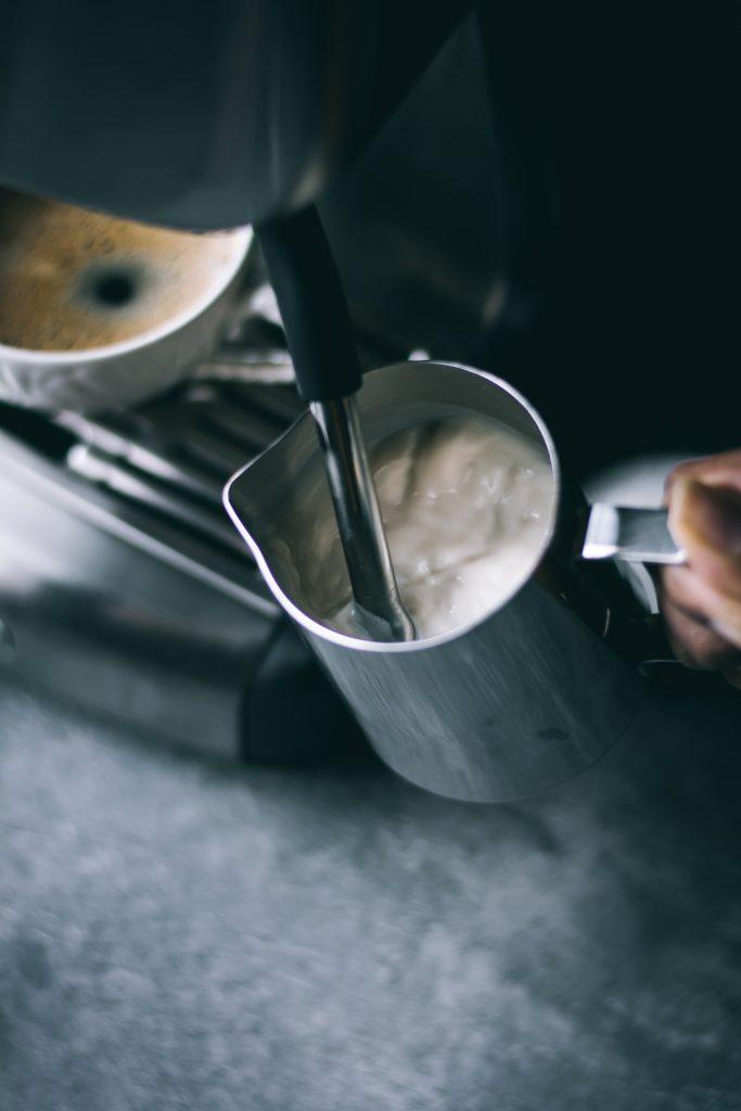 Foaming milk in a steam wand