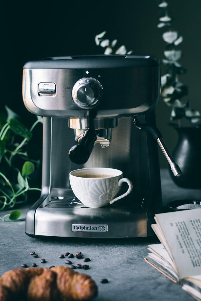 V] Mocha Hazelnut Cappuccino - Love is