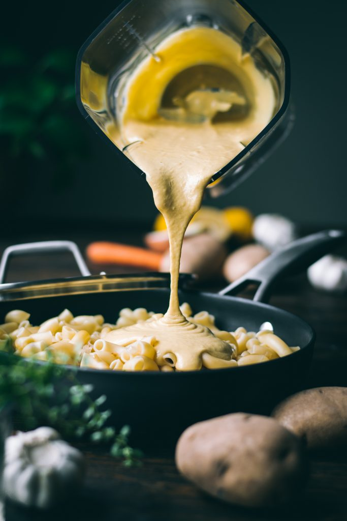Creamy cheeseless cheese sauce for VEGAN Mac n Cheese made with potato and carrot.