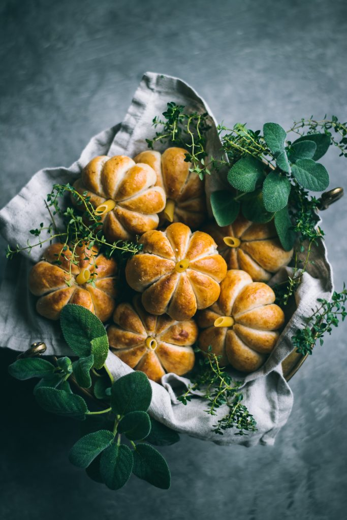 VEGAN Pumpkin Shaped Rolls